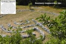 Podpořte a zapojte se do výstavba Labyrintu a Megalitické kamenné stavby