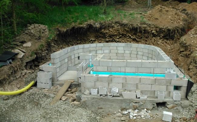 budovani chatky pro pobyt ve tme - elementu zeme