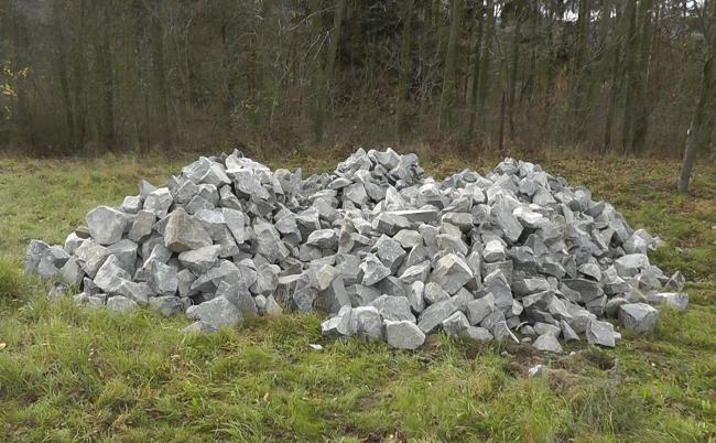 kamení na výstavbu Labyrintu v místě v srdci